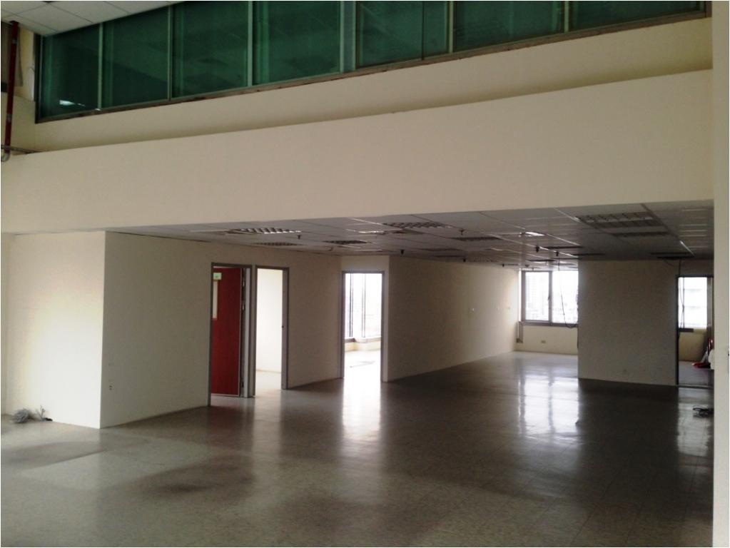 兩層樓挑高,稀有釋出,地段好,生活機能佳